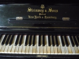 old-piano-wallpaper-download-the-free---inspiritoo-ktgqrctt