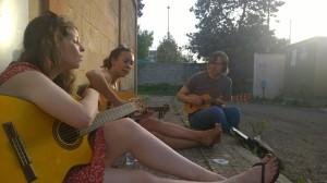 rehearsing @ Manifatture Knos (LECCE) Roisini Atcheson, Mara SImpson, Keith Murdiff